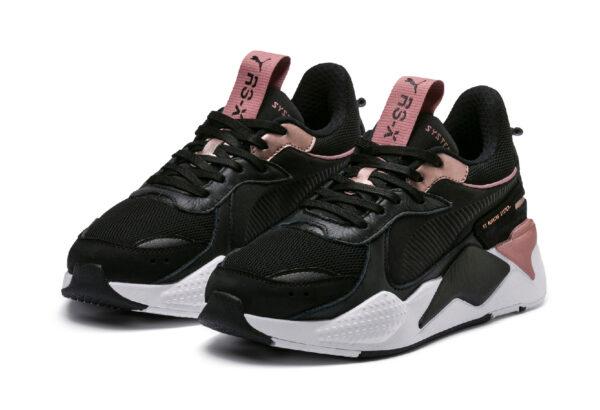 Розовые кроссовки Puma